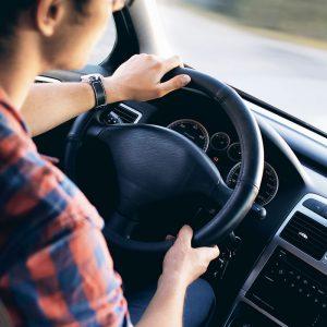 「車の運転下手だな」と感じる人の特徴あるある