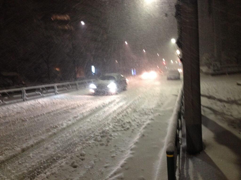 冬場の運転は車間距離を多くあける