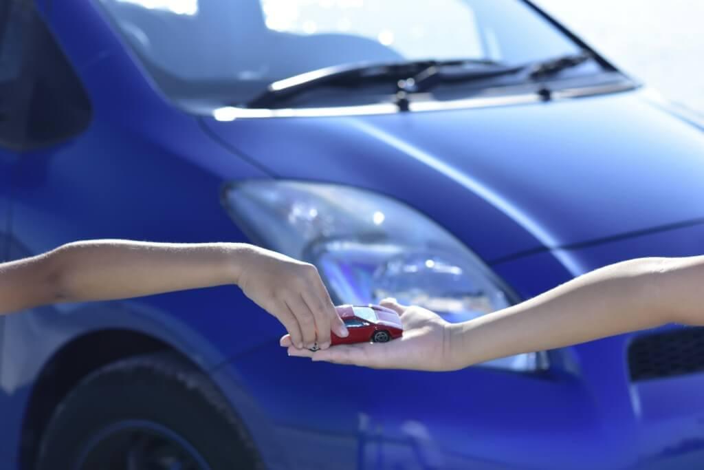 料金プラン『カーシェア』と『レンタカー』はどっちがお得なのか?