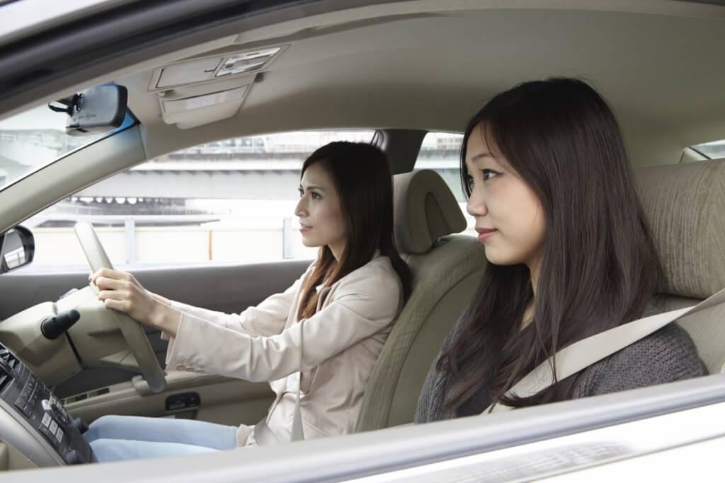 【高速での合流】「早めのウィンカー」と「スピードを上げすぎない」ことで安全に