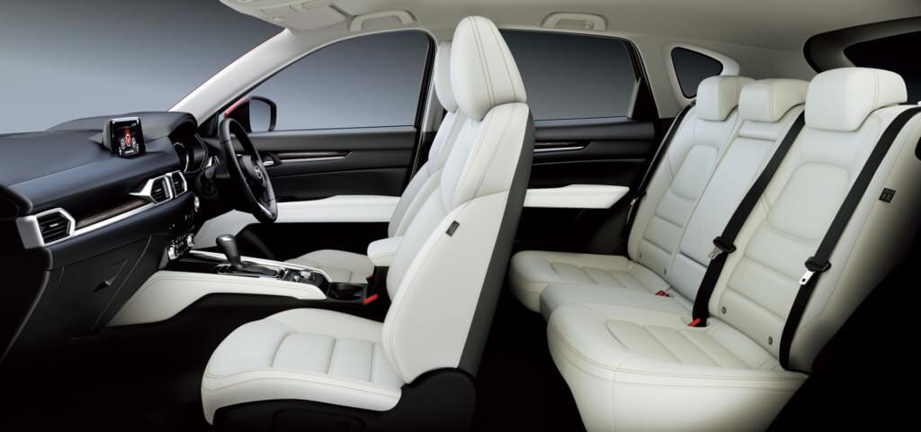 乗る人すべてに快適な車内装備